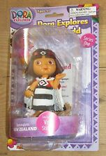 Dora The Explorer Explores The Figura Colección New Zealand Visa World Pegatina