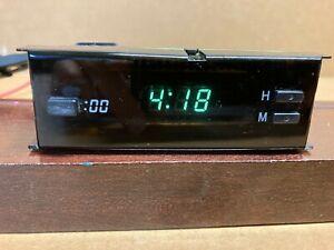 1995-97 LEXUS GS-300 DASH DIGITAL CLOCK