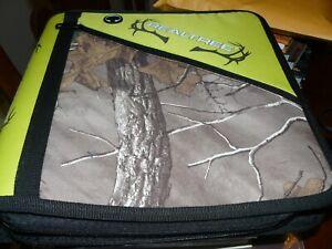 RealTree Xtra Camo Zipper Binder 2014 Head phone jack access 3 ring notebook