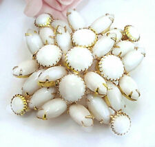 Vintage Costume Jewelry D & E JULIANA Style White Glass   Brooch Pin