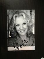 HAYLEY MILLS - CHILD ACTRESS - BRILLIANT SIGNED B/W PHOTOGRAPH