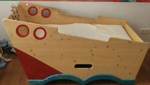 Boot- / Segelschiff-Bett Spielbett Kinderbett für Matratze 140 x 70 cm geeignet
