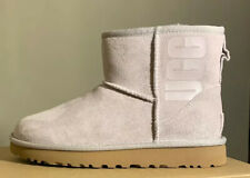 UGG CLASSIC MINI UGG RUBBER LOGO, FEATHER WOMAN'S BOOTS 1108231 SZ 7, AUTHENTIC