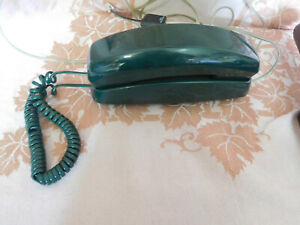 Vtg.Radio Shack Princess Corded Telephone GREEN Push Button Wall or Table Phone-