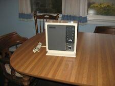 Vintage Sony Model 8F - 11W AM-FM Table Radio / Very Nice
