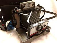 Vintage Polaroid Automatic 220 Land Camera w / Flash, Case & Accessories