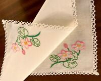 VINTAGE HAND EMBROIDERED WHITE LINEN TABLE CENTRE / TRAY CLOTH 18X12 Inches