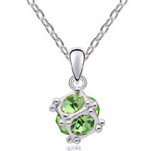 Fashion Womens Cube Green Crystal Rhinestone Silver Chain Pendant Necklace NEW