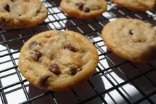 Homemade chocolate chip cookies (1 Dozens only ).