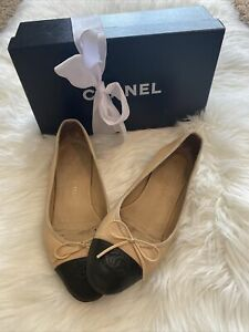 Authentic!! Chanel Ballerina Leather Toe CC Black- Beige Flats Shoes Italy 38