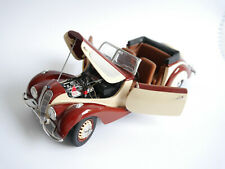 1937 BMW 327 Cabrio Convertible in rot rouge red / creme, Guiloy in 1:18 boxed!