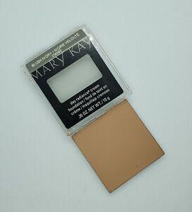mary kay day radiance cream foundation Blush Ivory. New (014682)