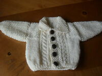 BRAND NEW HAND KNITTED BABY BOYS CREAM ARAN CARDIGAN WITH COLLAR