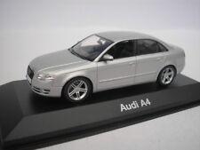 AUDI A4 2005 Plata Metálico 1/43 Minichamps 5010404113 NUEVO