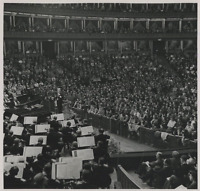 Basil Cameron en concert Vintage silver print   Tirage argentique  18x24
