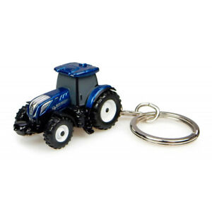 New Holland T7.225 Keyring by Universal Hobbies in Blue Power J5814
