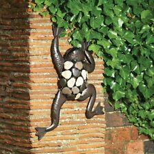 Climbing Frog/Toad Outdoor Garden Wall Art (Metal & Stone Statue)