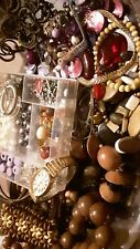 Mixed bead & jewelry lots, see photos to view full lot