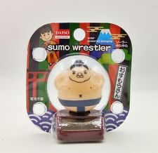 NEW JAPAN HOME DECOR LUCKY SUMO FIGURE WEALTH SOLAR POWER MOVEMENT WAVING BODY