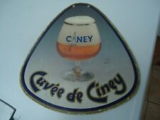 Publicité en carton pour la bière belge Cuvée de Ciney