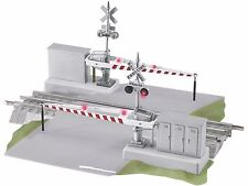 O-Gauge - Lionel -  Grade Crossing with Gates and Flashers