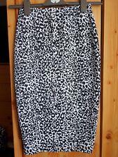 UK8  atmosphere black/white sexy pencil skirt, midi, bodycon