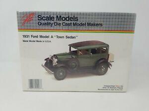 JLE 1931 Ford Model A Town Sedan 1/20 #4007 Die Cast Metal Model Kit SEALED