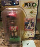 MLB 2001 PLAY MAKER UPPER DECK KEN GRIFFEY JR BOBBLE HEAD 49