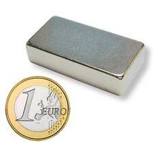 Super Magnete Parallelepipedo al Neodimio dimensioni 40x15x10 mm Potenza 22 Kg.