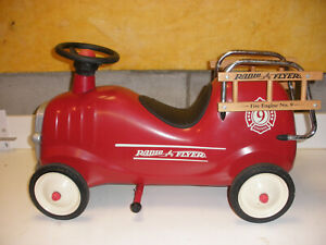 Vintage Radio Flyer Fire Engine #9