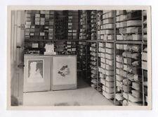 PHOTO ANCIENNE Magasin de chaussures Boîtes à chaussures 1946 Affiche Boutique