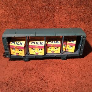 Lionel 9090-Open Freight Car w/McDonalds Milly LowFat Milk Carton Transformers