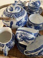 Service a the ou café japonais en porcelaine fine pour 6 personnes. Année 1950