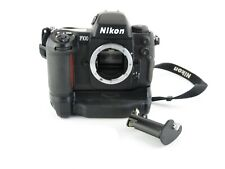 Nikon F100 SLR Spiegelreflexkamera + MB-15 mit Gurt with strap