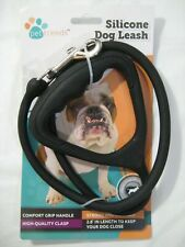 New Silicone Dog Leash For dogs up to 110lbs by Pet Trends Color Black Walk Jog