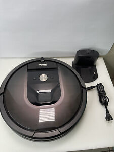 iRobot Roomba 980 Robot Vacuum with WiFi Connectivity / Needs New battery