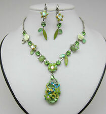 Fashion flower necklace and earrings set in green colour