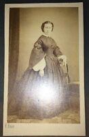 Photographie D'une Femme De Montpellier. Vers 1860  Par F. ROUËT.
