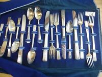 Vintage Wm. Rogers revelation  Service for 12  Silver-plated Flatware with case
