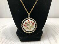 Vintage Unbranded Necklace Pendant Round Floral Enamel Rope Trim Pink White Gold