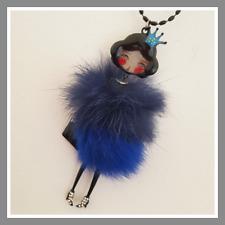 Sautoir Collier Lolilota LOL BIJOUX Cicille bleu nuit froufrou fourrure strass
