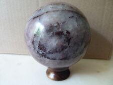 Sphère quartz rouge cristal de roche Brésil  780gr 8cm