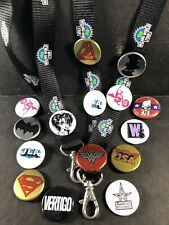 SDCC & Comic Con 15 Button Pin Lot - DC Comics (Batman, Vertigo, JLA) & Lanyards