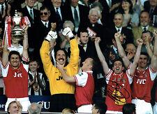Nigel winterburn signé autographe 16x12 Arsenal fa cup victoire photo Aftal COA