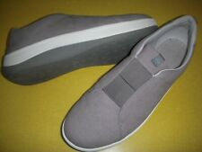 CLOUDSTEPPERS by Clarks Arla Sage Slip-On Sneakers Women's 9 W Grey - no insoles