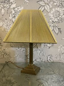 BEAUTIFUL VINTAGE BRASS Over Wood CANDLESTICK COLUMN PILLAR TABLE LAMP & Shade