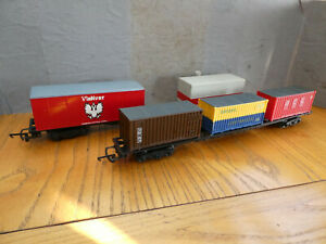 OO Gauge Triang Container Wagons x 2 good condition