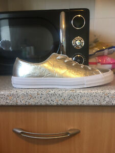 Converse All Star Low Top Leather Gold Size UK 6 Women's