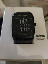 Polar M400 Reloj de Entrenamiento con GPS - Negro con banda y sensor Polar H7