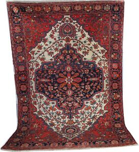 Antique handmade wool Sarouk / Farahan rug  in white size 6.3' x 4'